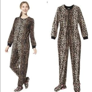 Nick & Nora | Leopard Footie Pajamas PJ Footed M